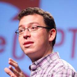 Luis von Ahn, La collaboration massive